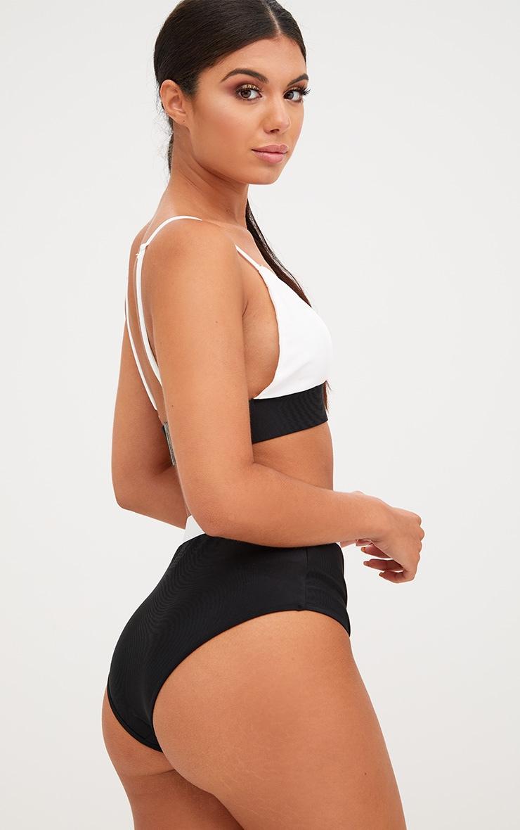Haut de bikini contrastant noir/blanc 2