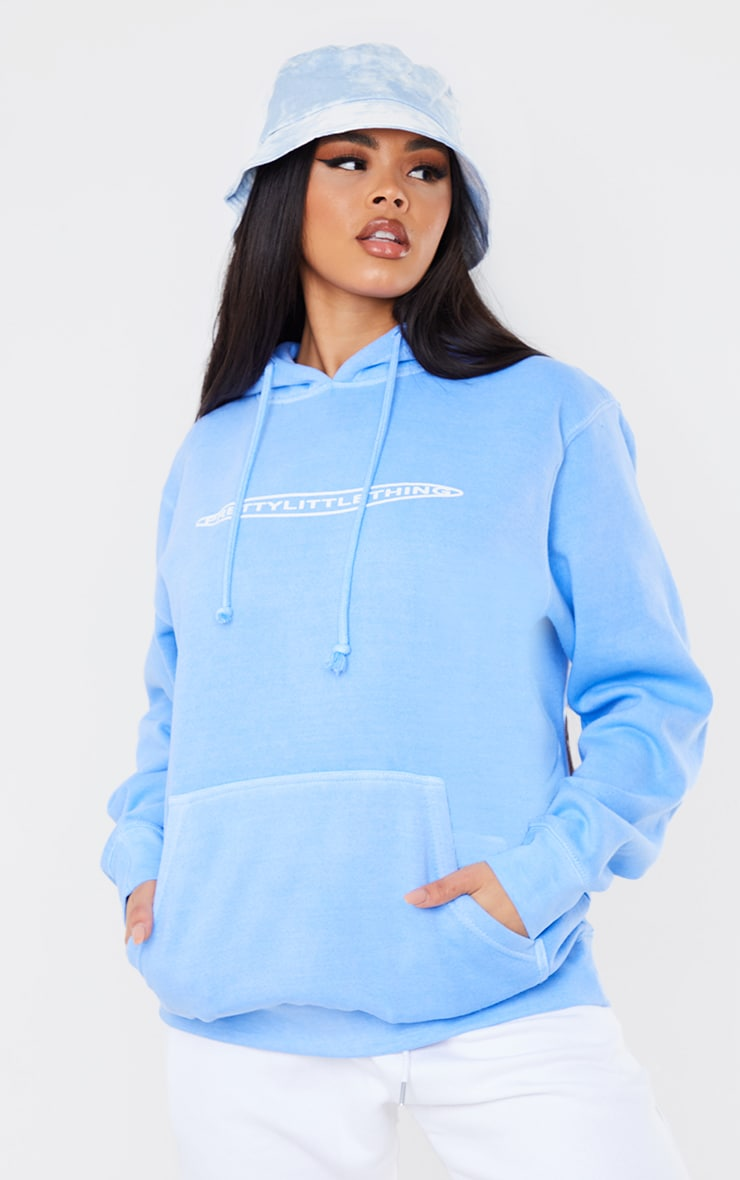 PRETTYLITTLETHING Cornflower Blue Printed Washed Hoodie 1