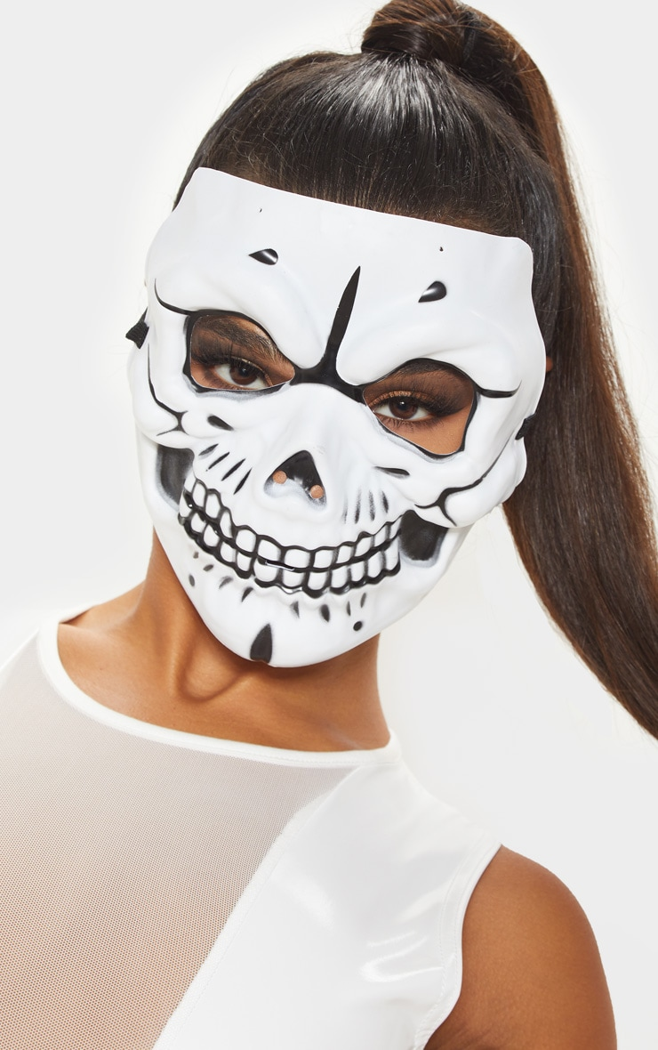 Masque blanc de tête de mort 1