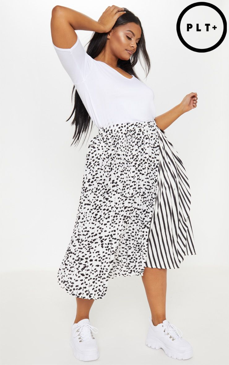 86bf8b14a5 Plus White Mixed Print Pleatedskirt | PrettyLittleThing IE