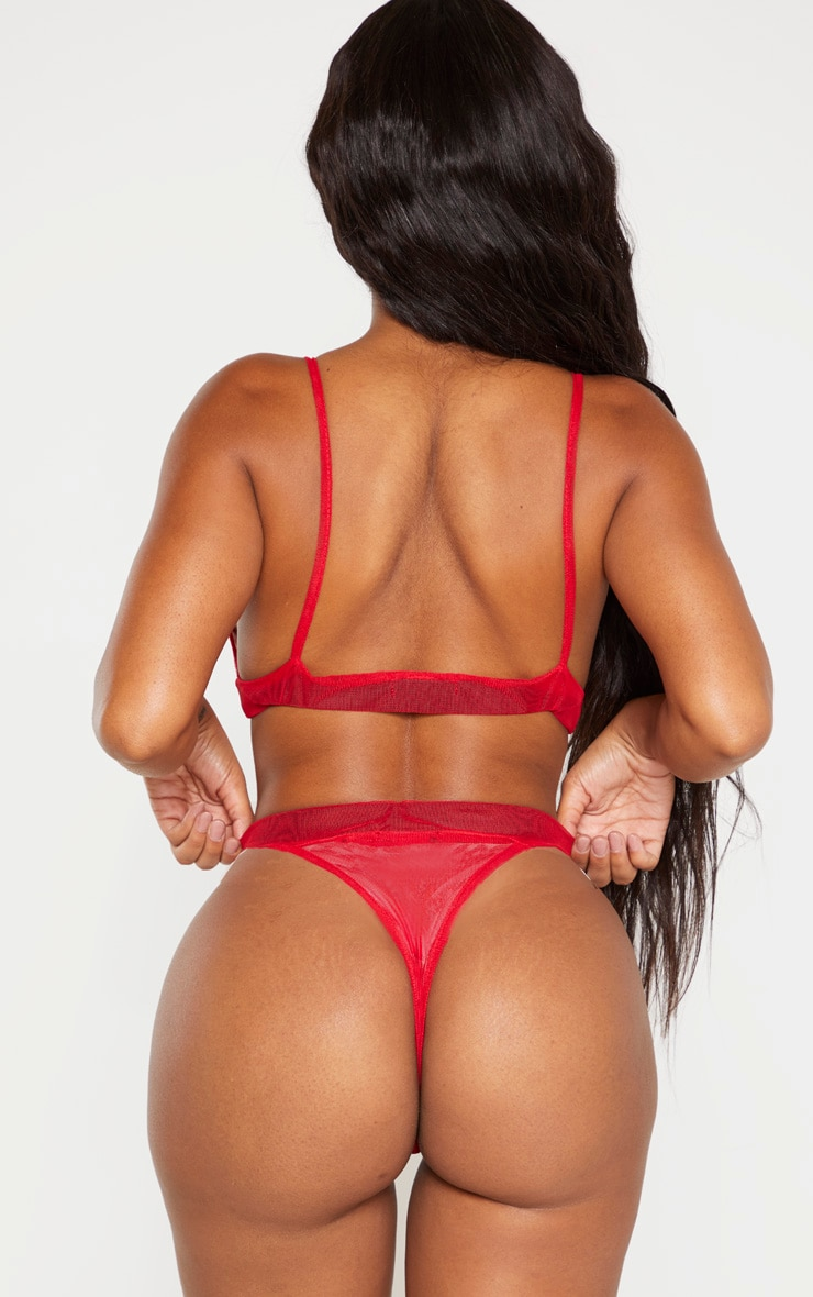 Shape - String rouge en mesh  3