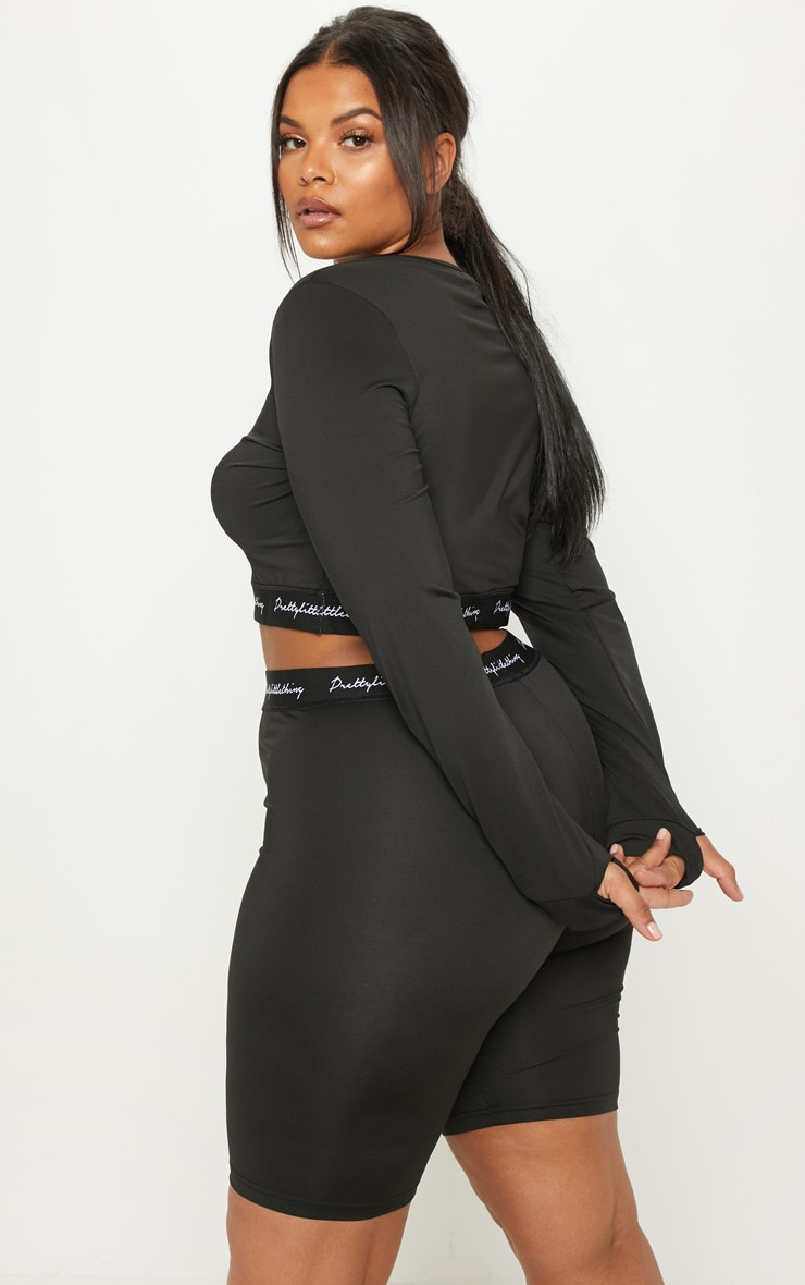 PRETTYLITTLETHING Plus Black Band Long Sleeve Crop Top 2