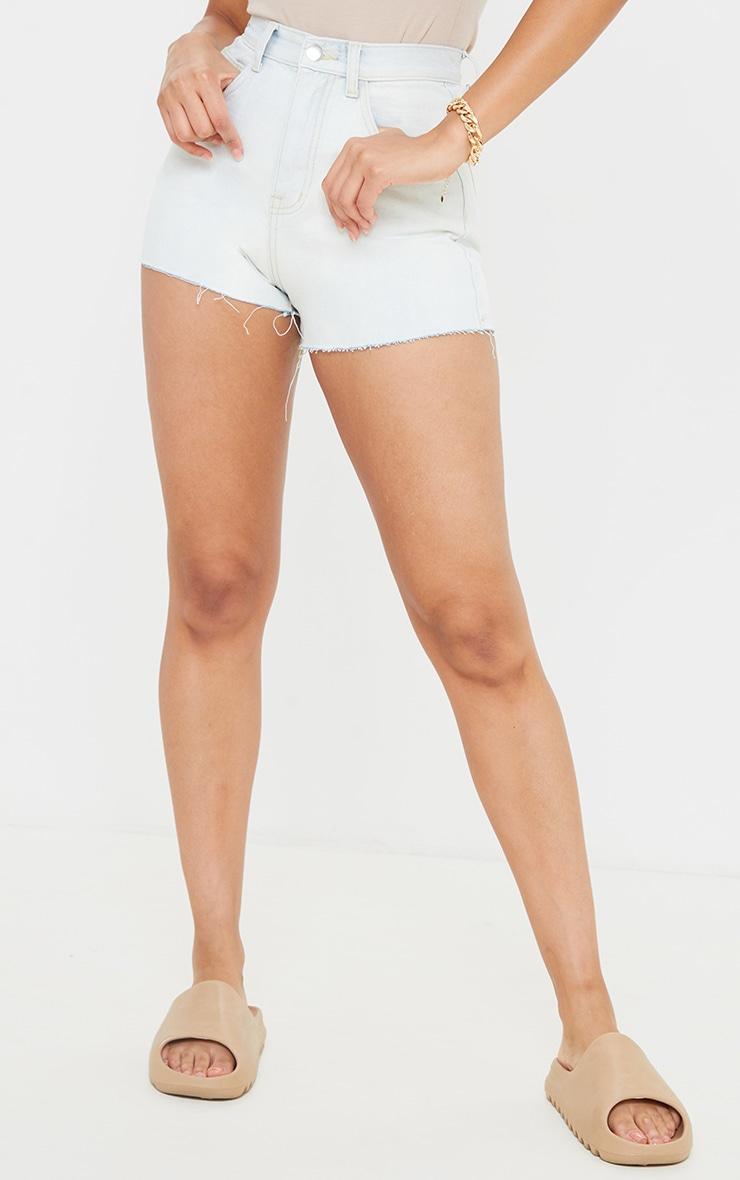 PRETTYLITTLETHING - Mini-short moulant javelisé délavé à ourlet coupé 2