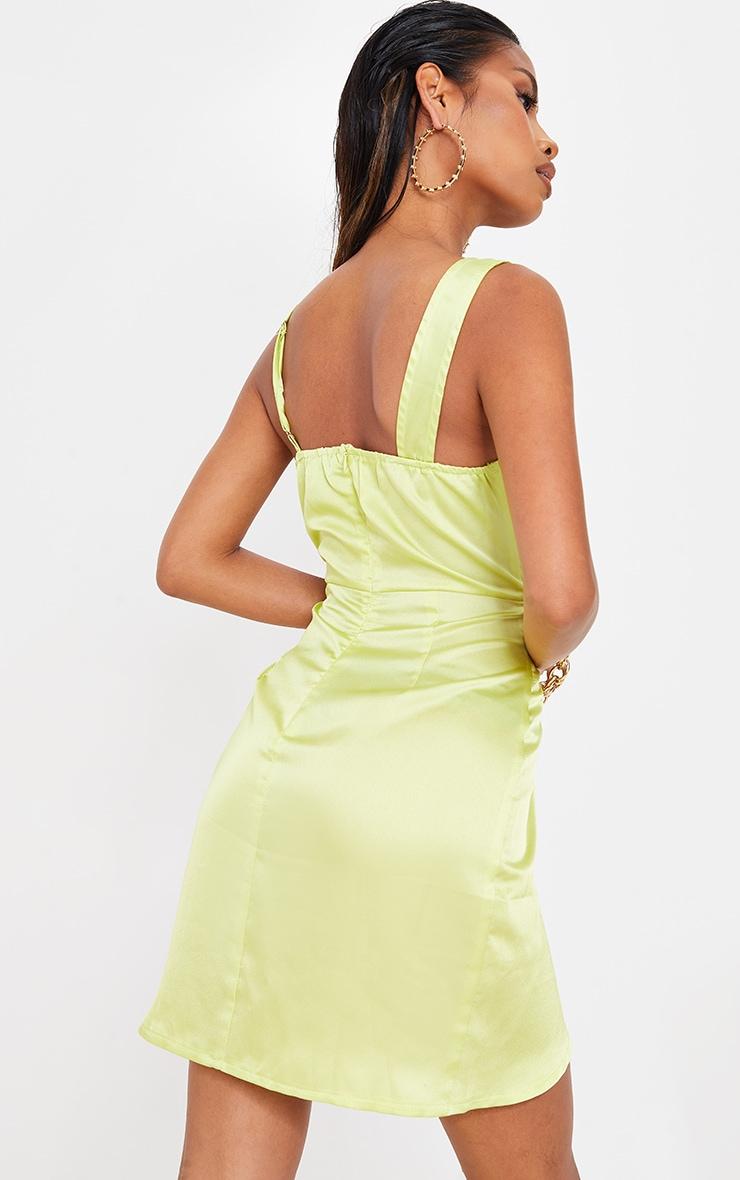 Robe satinée vert citron asymétrique à col bénitier et jupe portefeuille 2