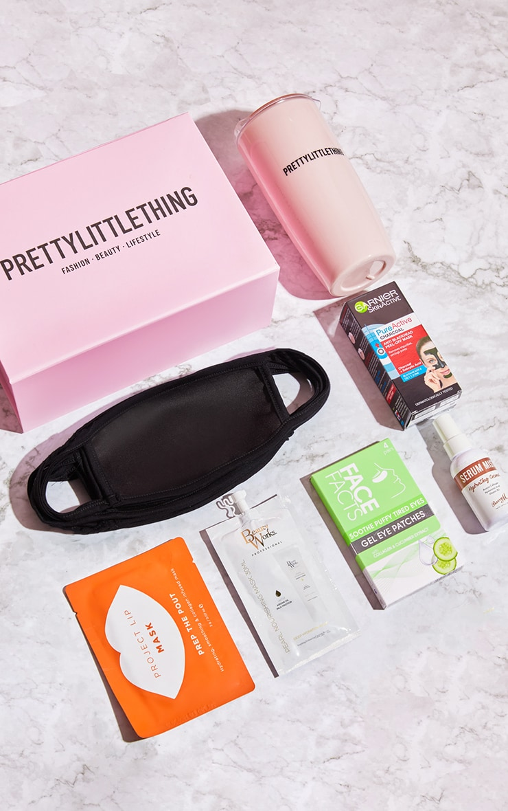PRETTYLITTLETHING Work From Home Beauty Box (Worth £47.00) 1