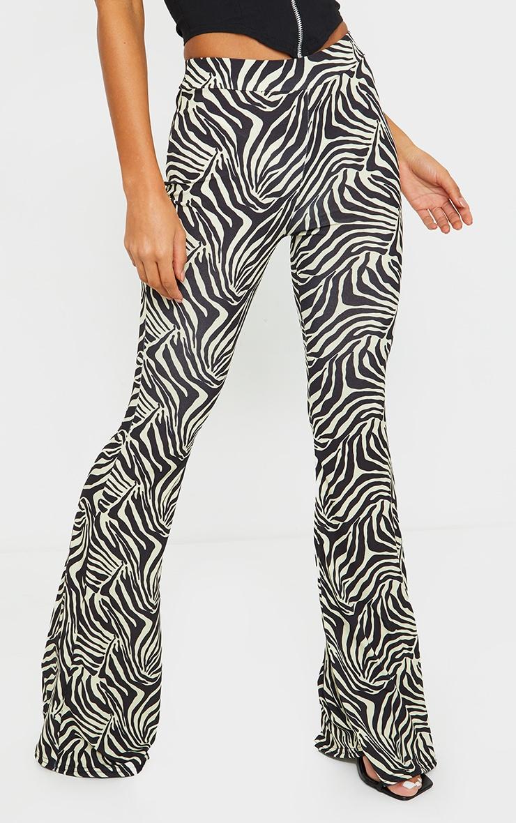 Pantalon flare noir à imprimé zébrures 2