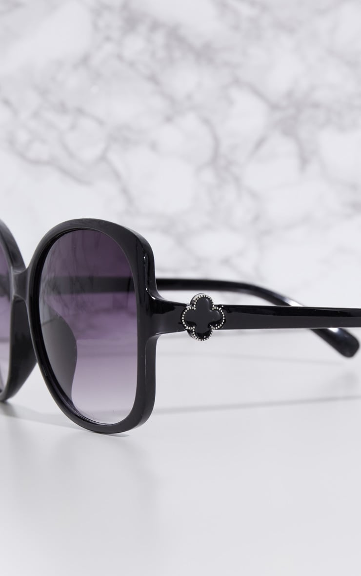 Black Oversized Frame Sunglasses 3