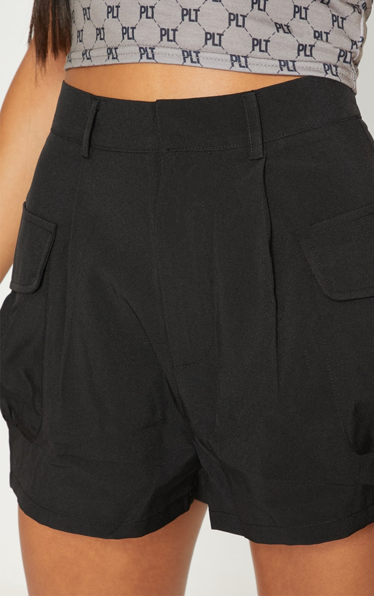 Black Cargo Pocket Detail Short 6