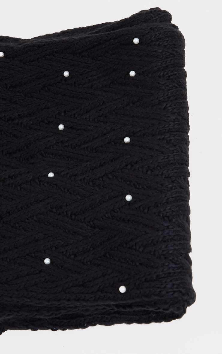 Black Cable Knit With Pearl Scarf 2
