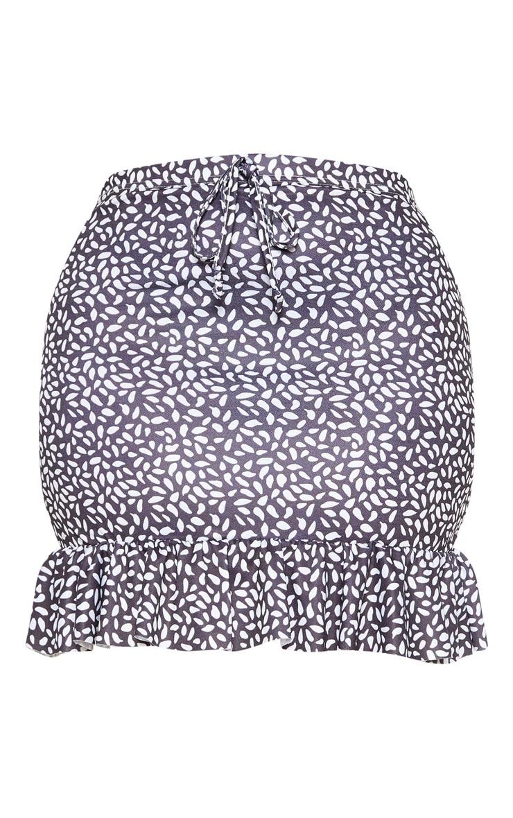 PLT Plus - Mini-jupe noire imprimé taches de peinture à ourlet froncé 3