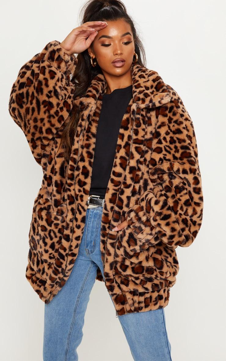 Manteau en fausse fourrure léopard marron à poches 1