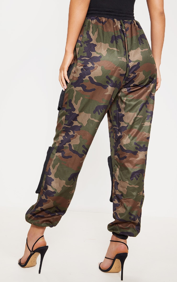 Green Camo 3D Pocket Detail Cargo Trousers 4