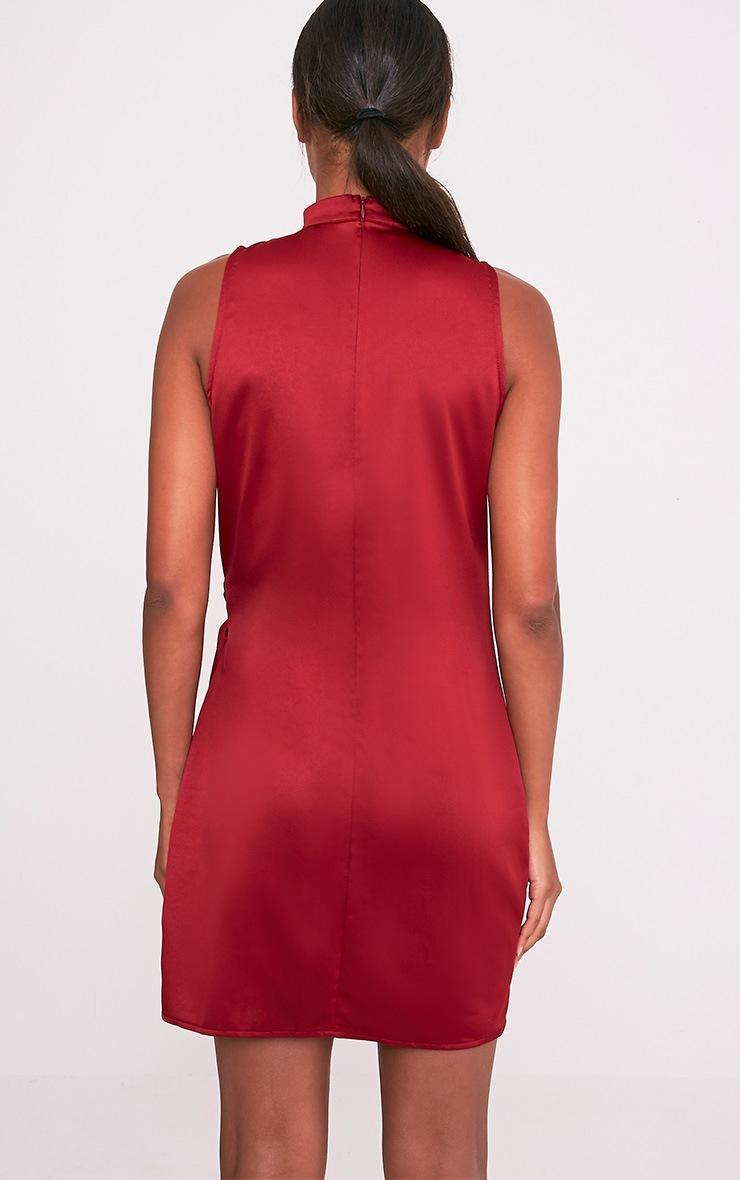 Rebecca robe bordeaux en satin à nouer à la taille et ras du cou 2