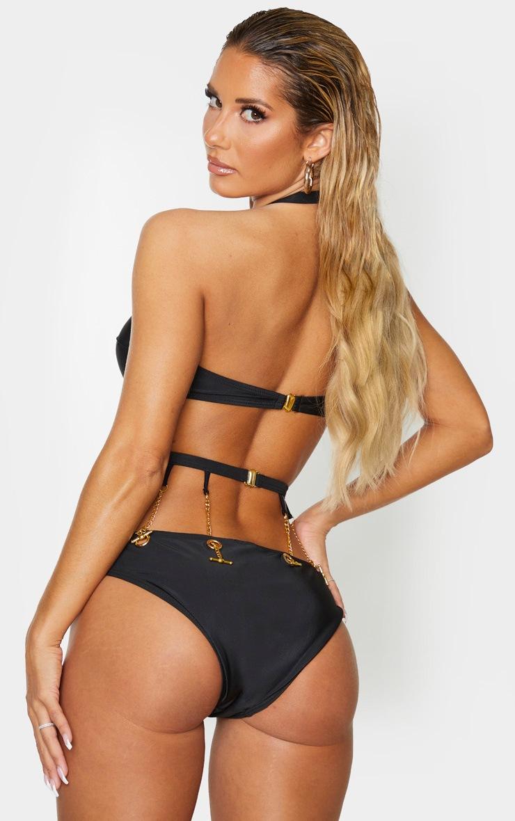 Haut de bikini noir à chaînes et oeillets 3