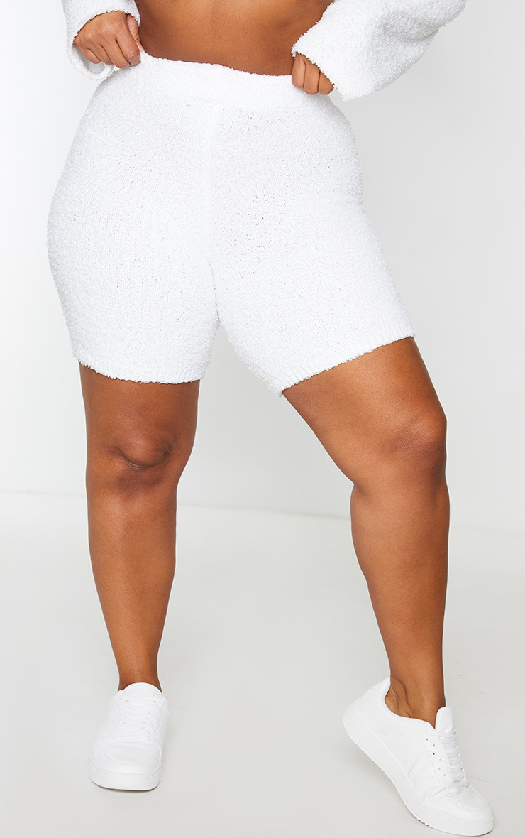 Plus Cream Fluffy Knit Cycle Short 2