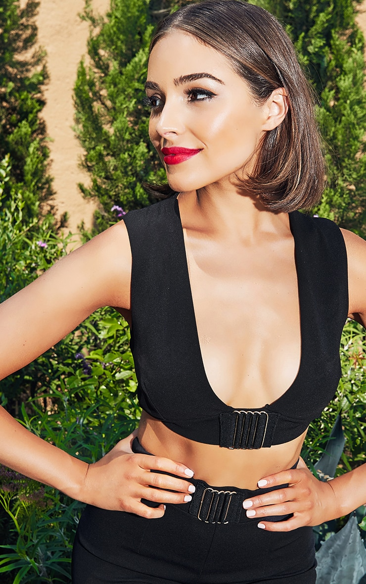 Black Cut Out Trim Detail Crop Top 1
