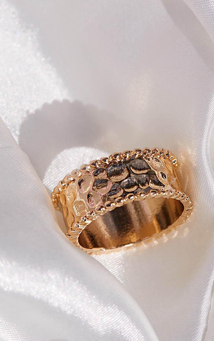 Gold Hammered Ring 2