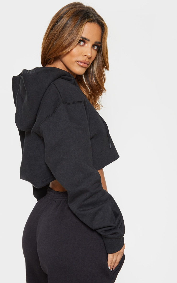 PRETTYLITTLETHING Petite Black Embroidered Crop Hoodie 2