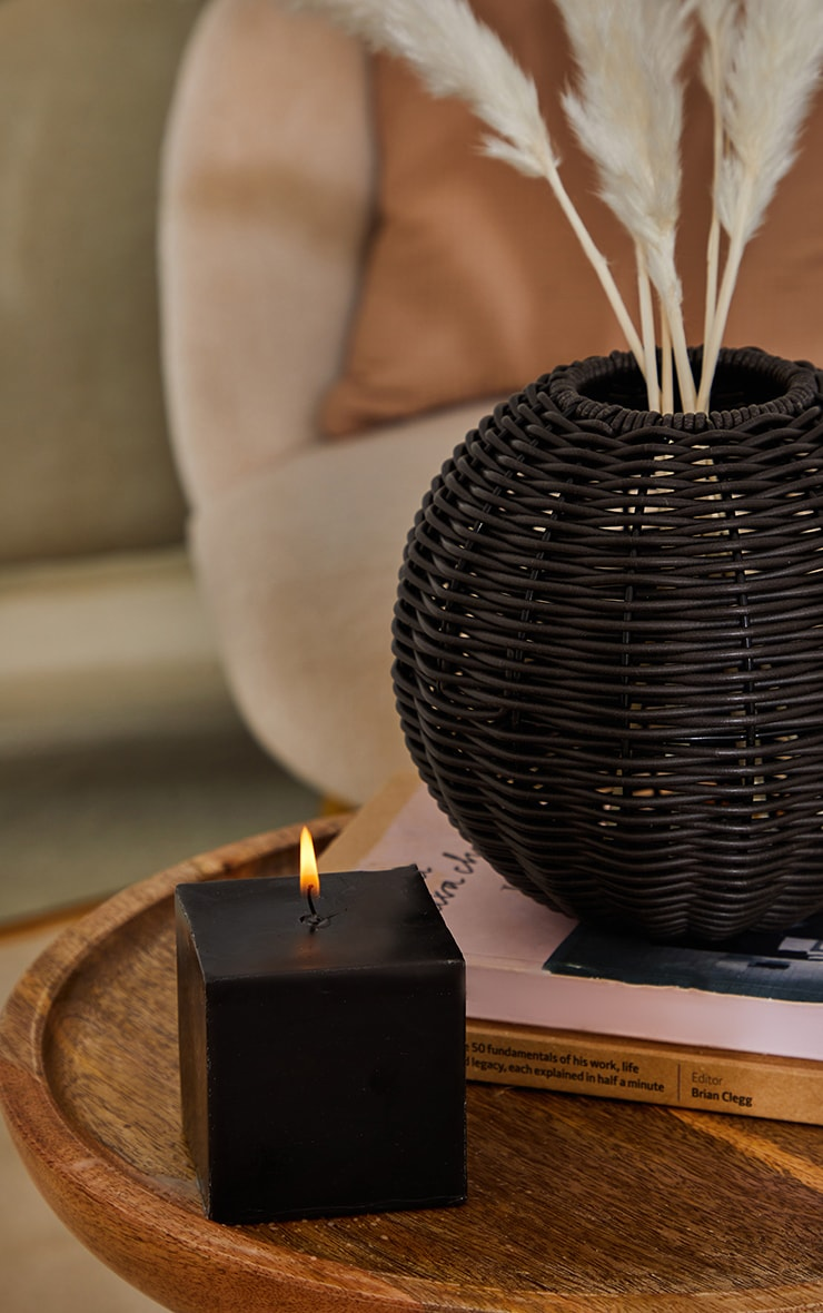 PRETTYLITTLETHING Black Cube Coconut Scented Candle 1