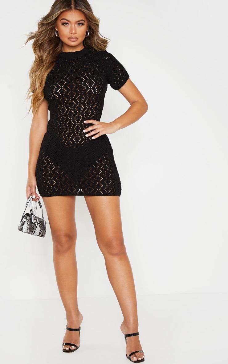 Mini robe en maille noire trouée 4