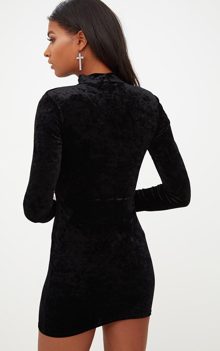 Robe moulante noire en velours col haut 2