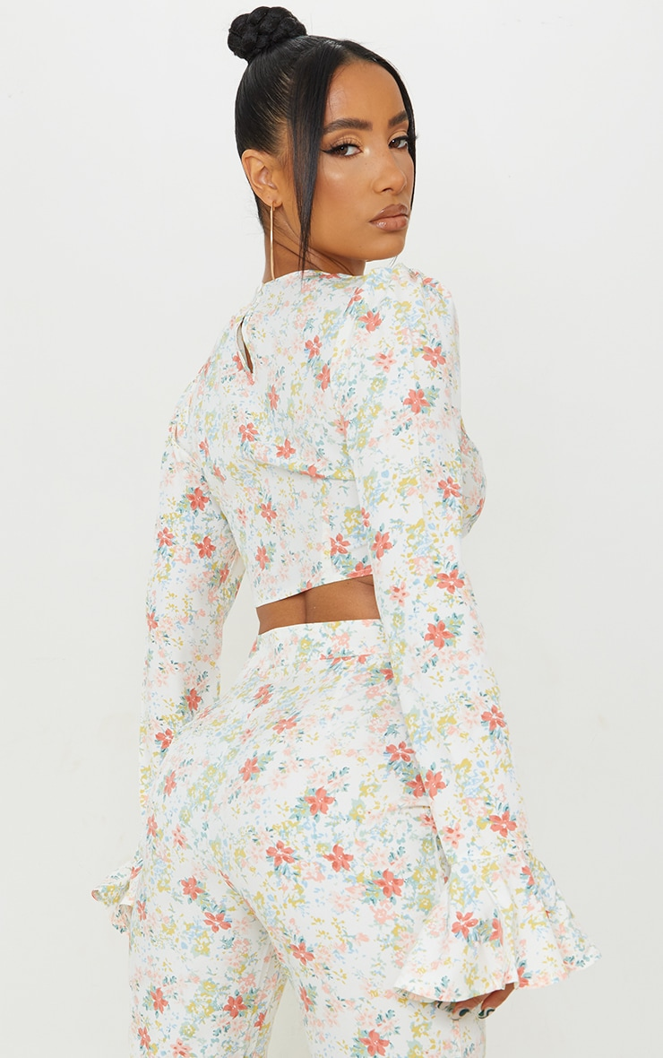 Light Pink Floral Printed Woven Flared Hem Sleeve Crop Top 2