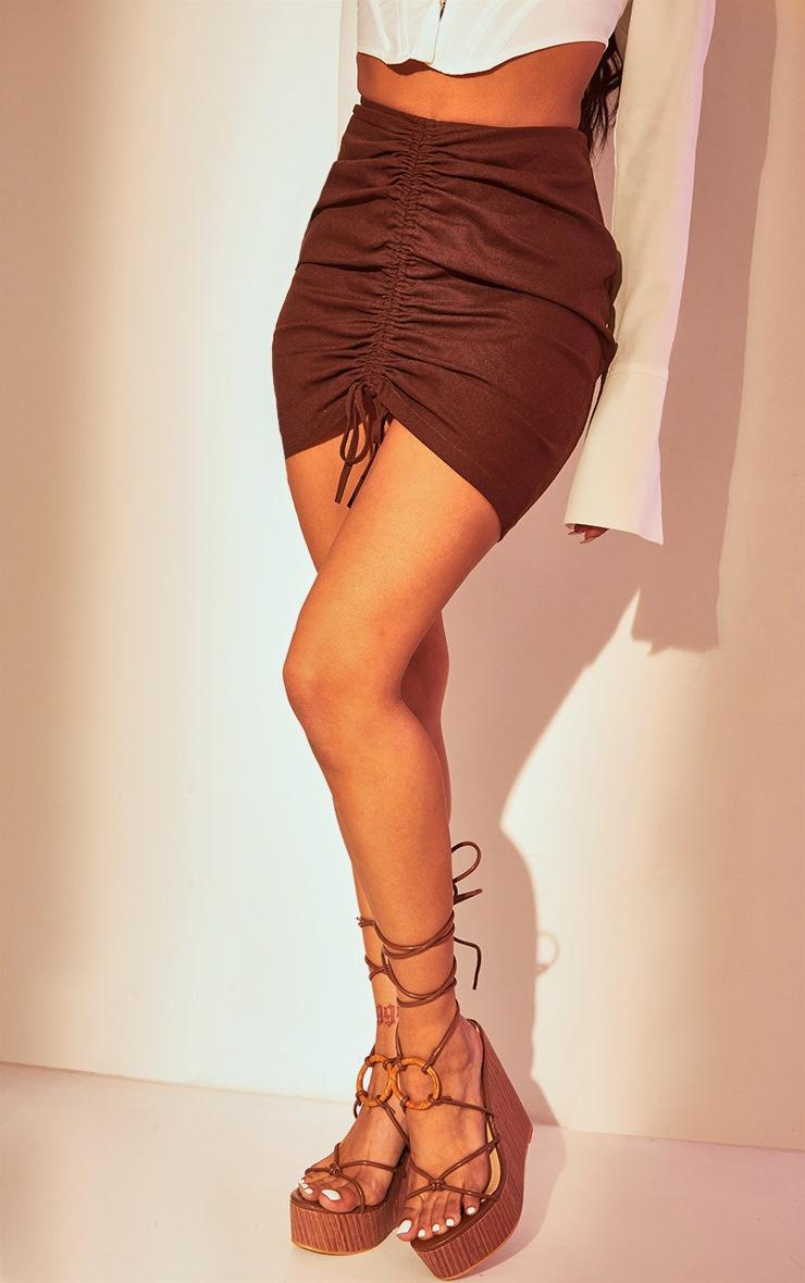 Mini-jupe marron chocolat froncée 3