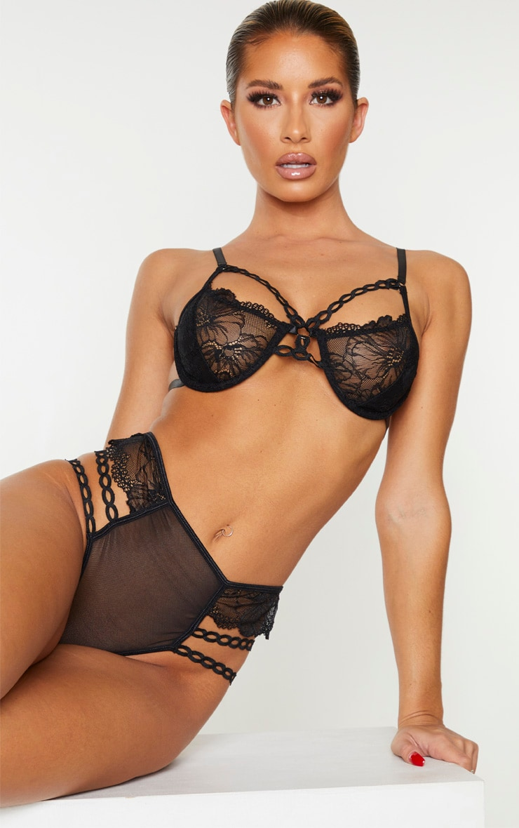 Black Circular Lace Detail Underwired Lingerie Set 1