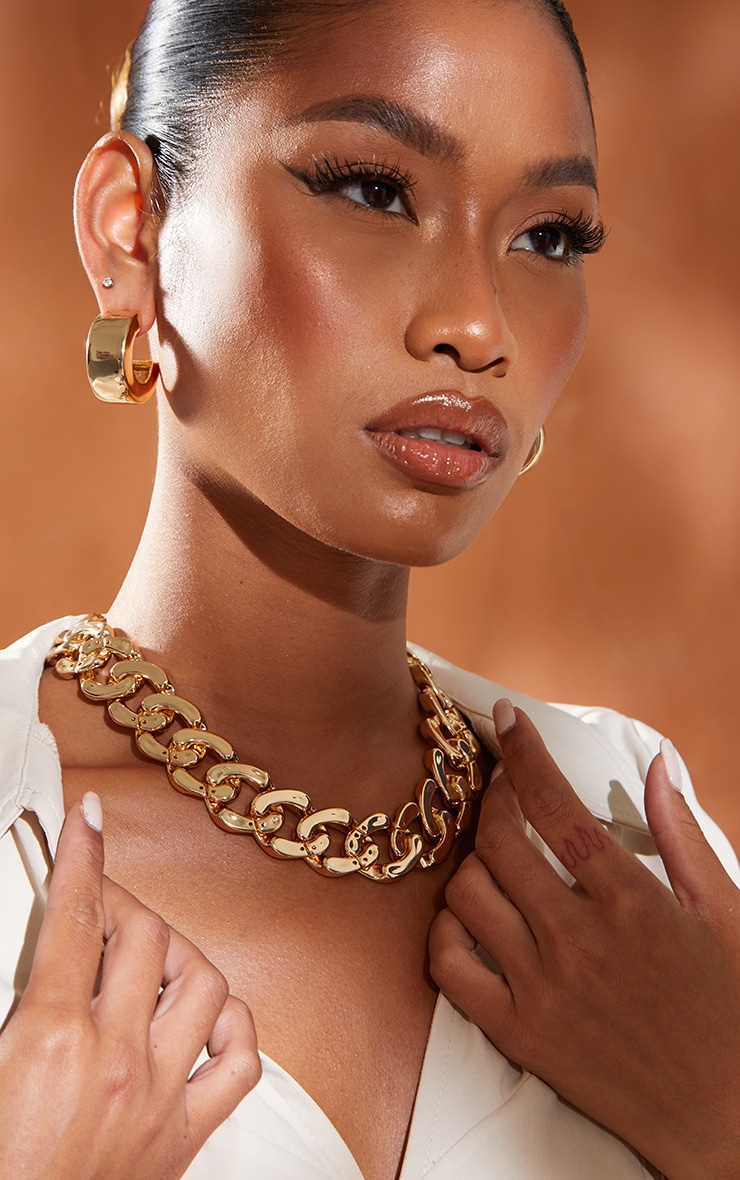 Gold Flat Chunky Curb Chain Necklace 1