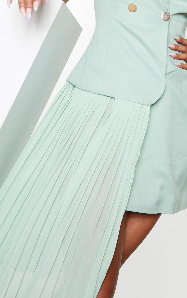Robe plissée vert sauge à détail drapé et boutons 4