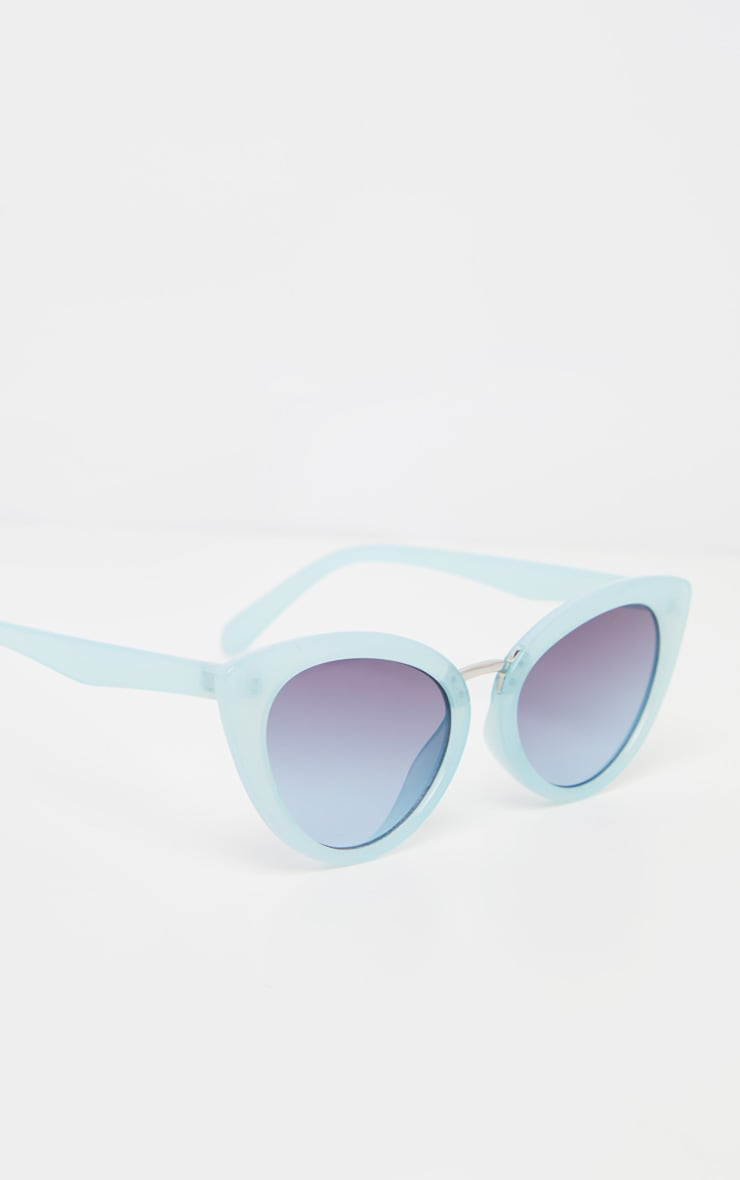 Baby Blue Metal Bridge Sizes Cat Eye Sunglasses 3