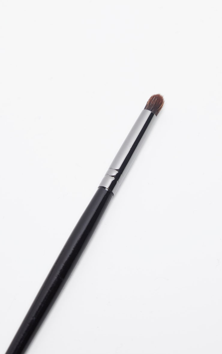 Morphe E36 Detail Crease Brush 2