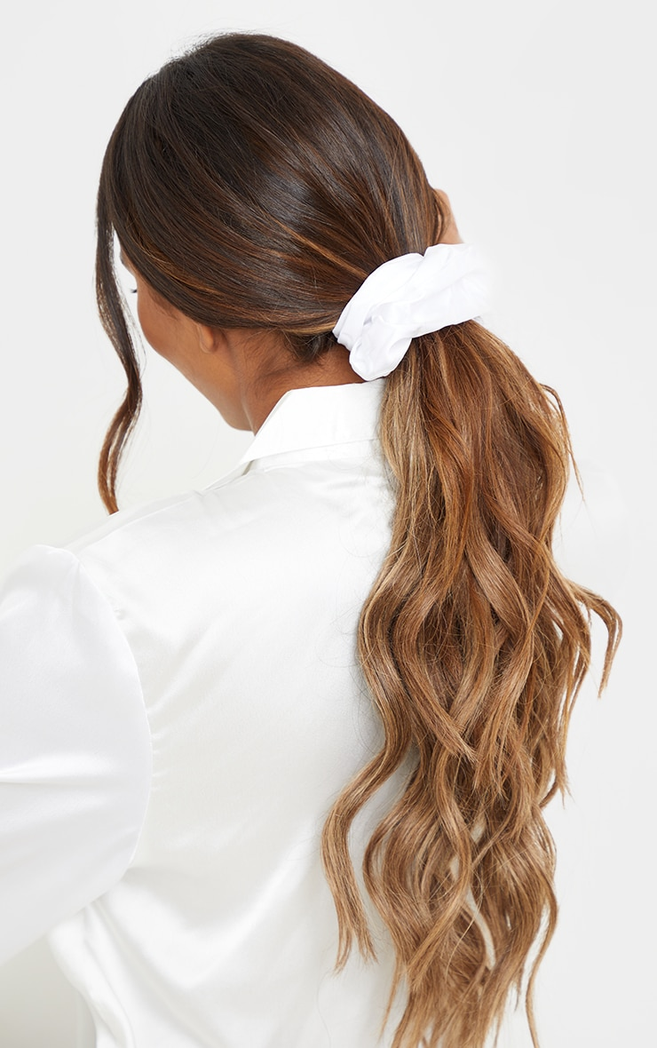 White Assorted 2 Pack Scrunchie 2