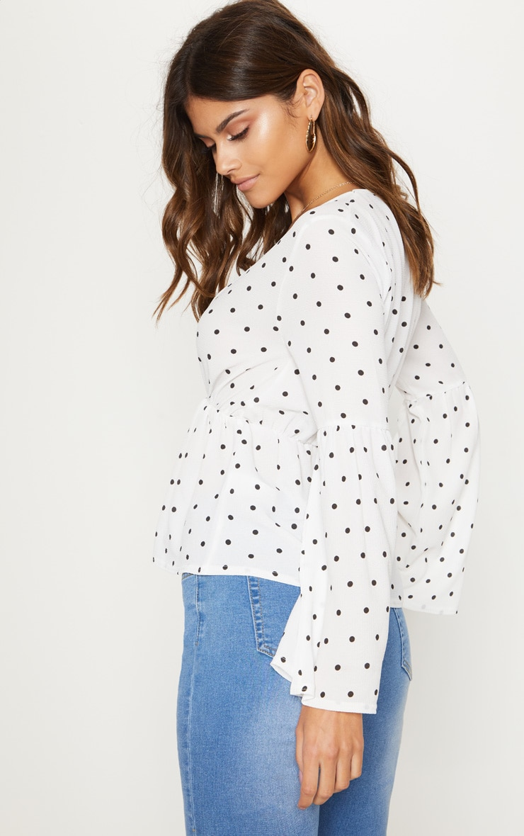 Sale Online Store White Polka Dot Chiffon Flare Sleeve Top Pretty Little Thing Cheap Sale Sast Clearance Classic Free Shipping Supply Sale Wide Range Of lajPXPZe8