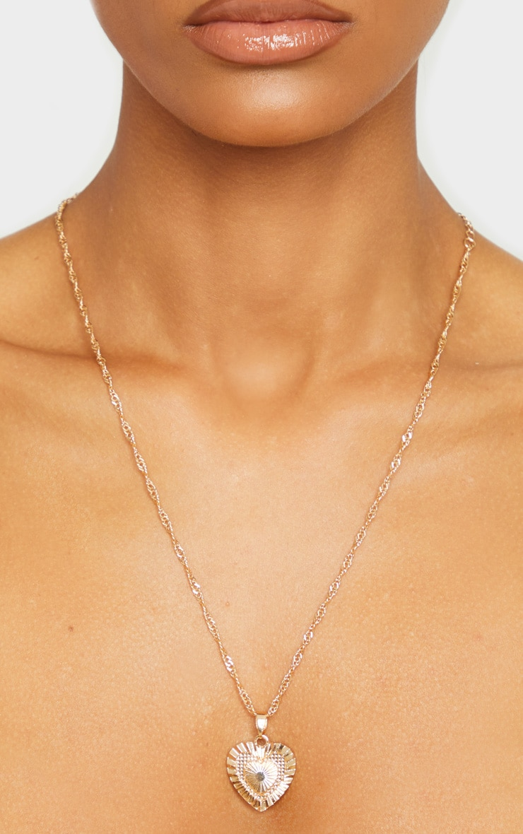 Gold Heart Thin Chain Necklace 2