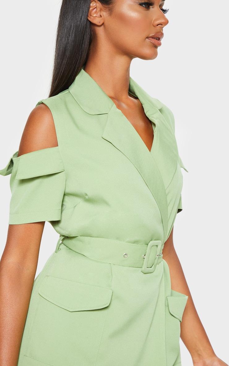 Robe blazer utilitaire vert sauge à épaules dénudées 4