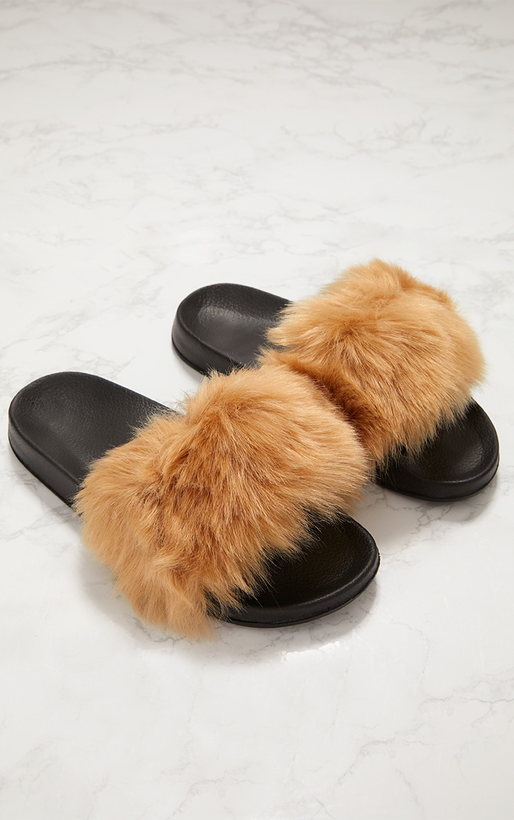 Tan Faux Fur Slider