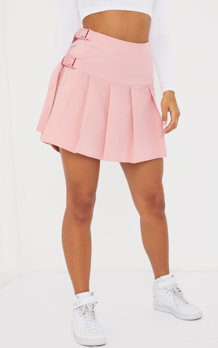 Baby Pink Buckle Detail Woven Pleated Mini Skirt 2