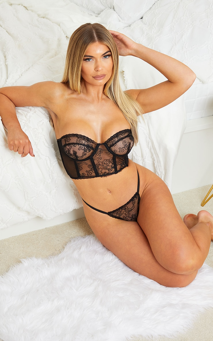 Black Underwired Strapless Embroidered Lace Lingerie Set 3