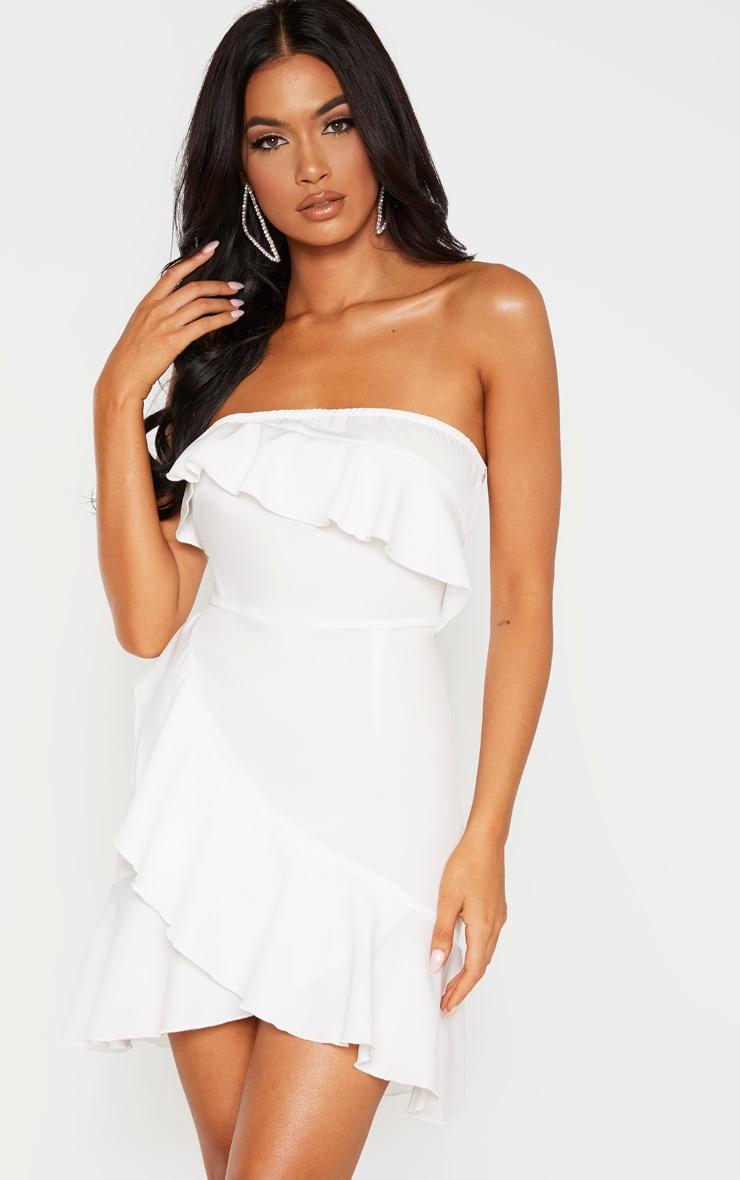 Robe moulante tissée blanche très volantée  1