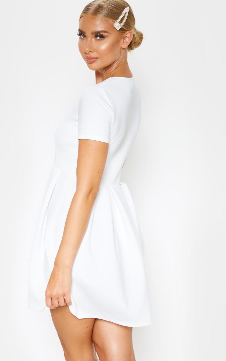Robe patineuse blanche en néoprène à manches courtes 2
