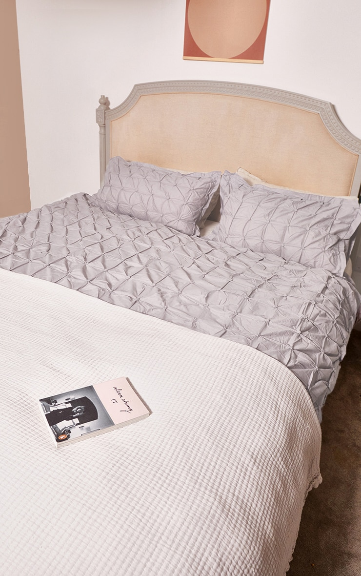 Grey Ruched Pin Tuck Double Duvet Set 2