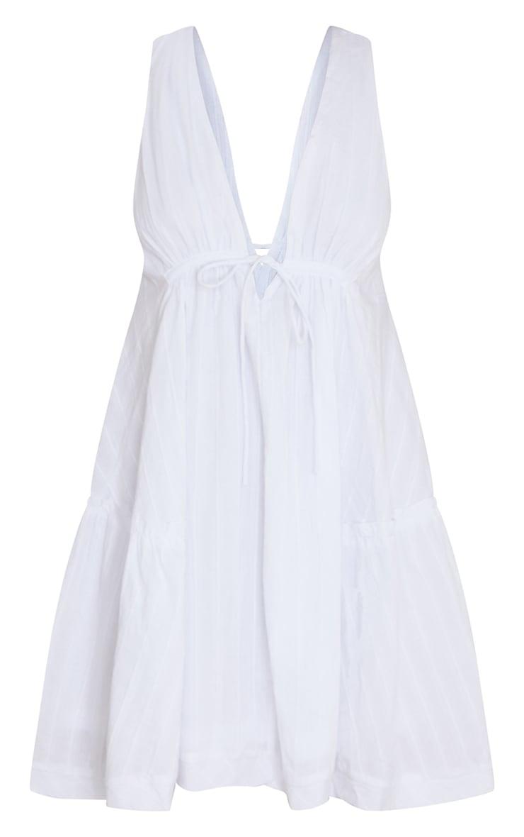 Robe droite blanche effet lin à volants et décolleté en V 5