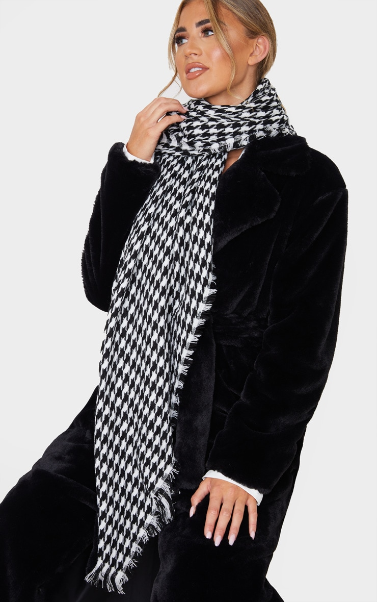 Black And White Houndstooth Scarf 1