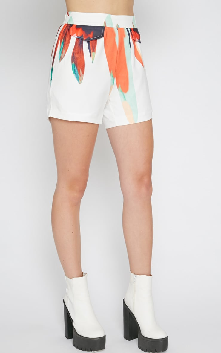 Mika White Short with Petal Print  5