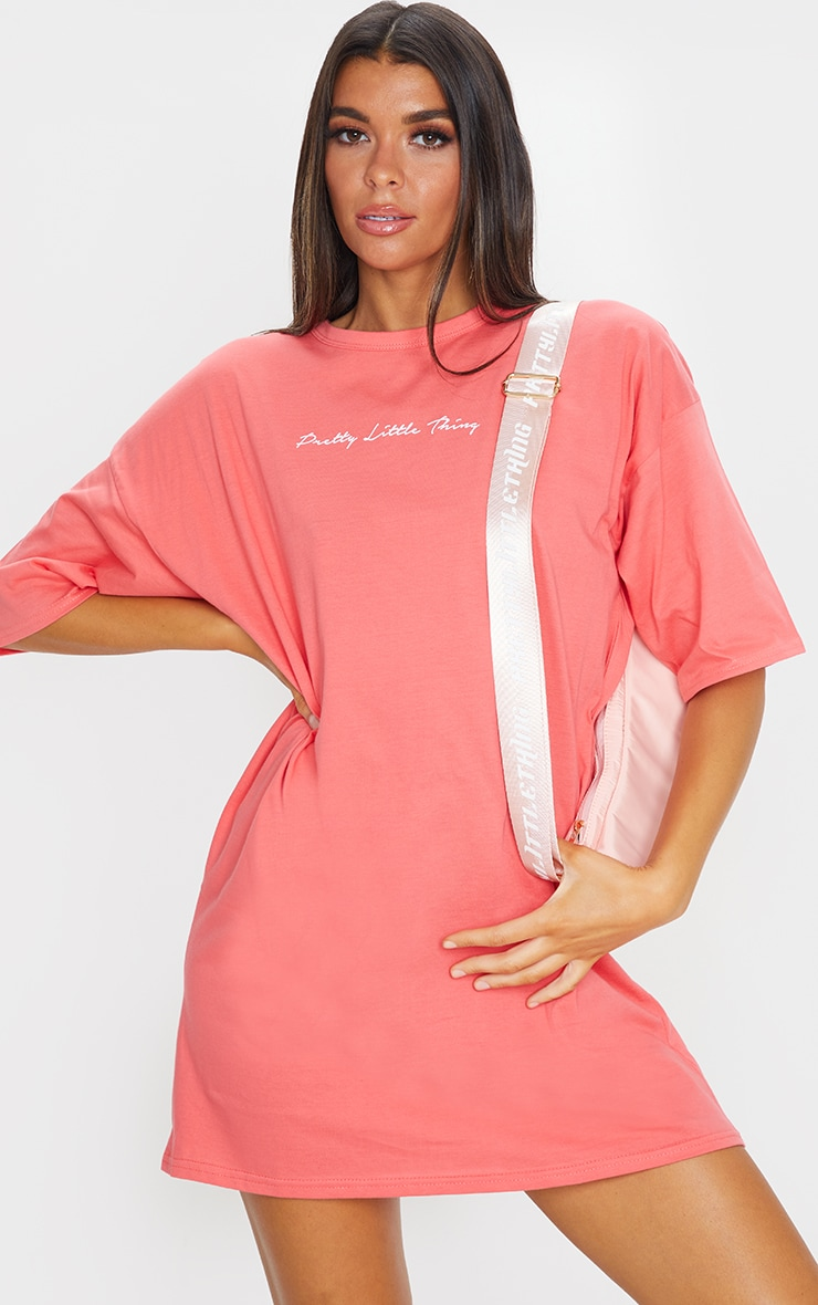 PRETTYLITTLETHING Coral Slogan Oversized Boyfriend T Shirt Dress 1