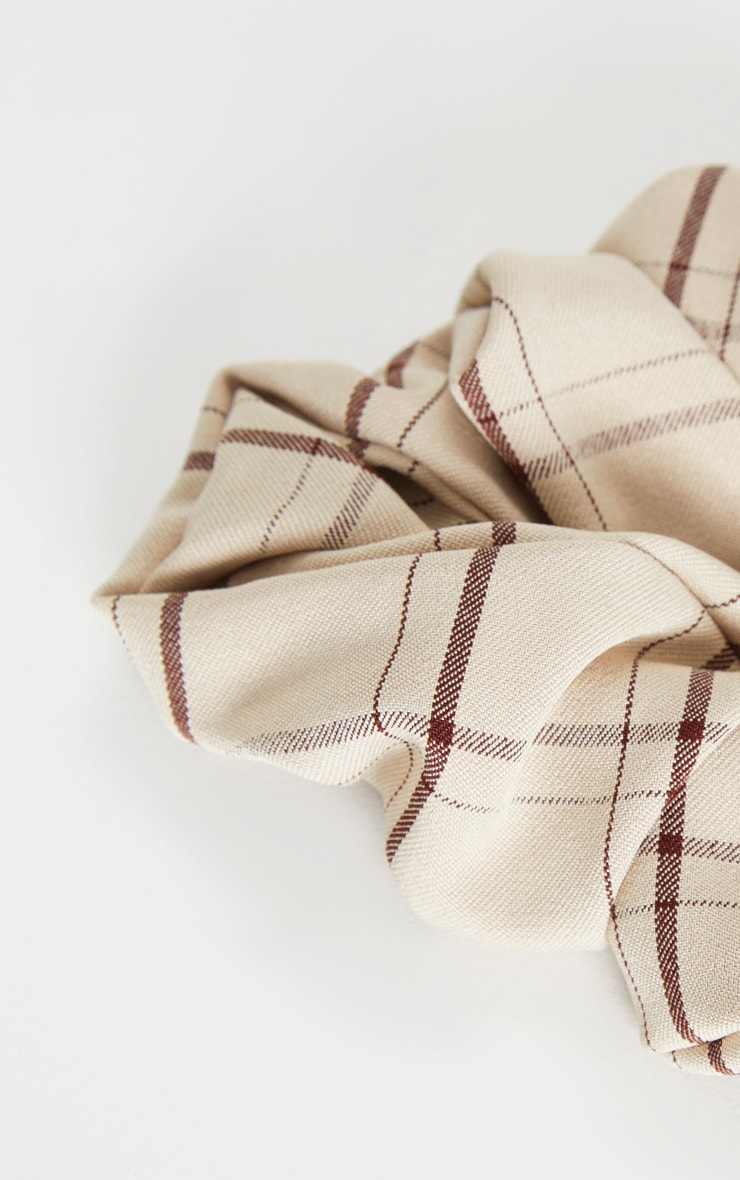 Cream Check Fabric Scrunchie 3