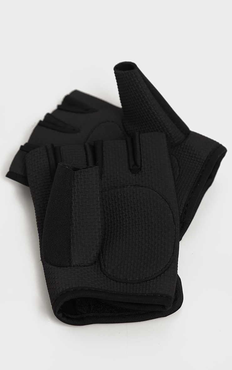 PRETTYLITTLETHING Black Training Gloves 3