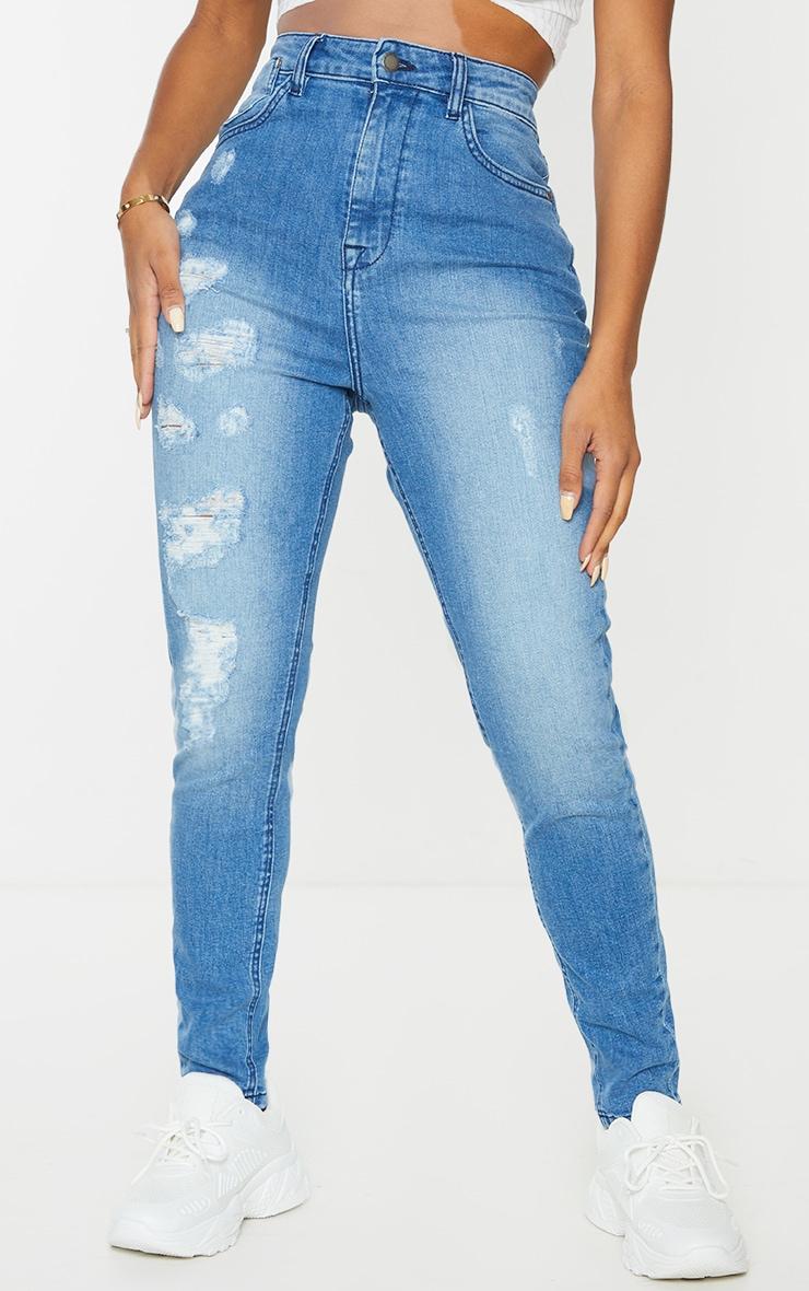 PRETTYLITTLETHING Shape - Jean skinny bleu moyennement délavé déchiré détail poches 2
