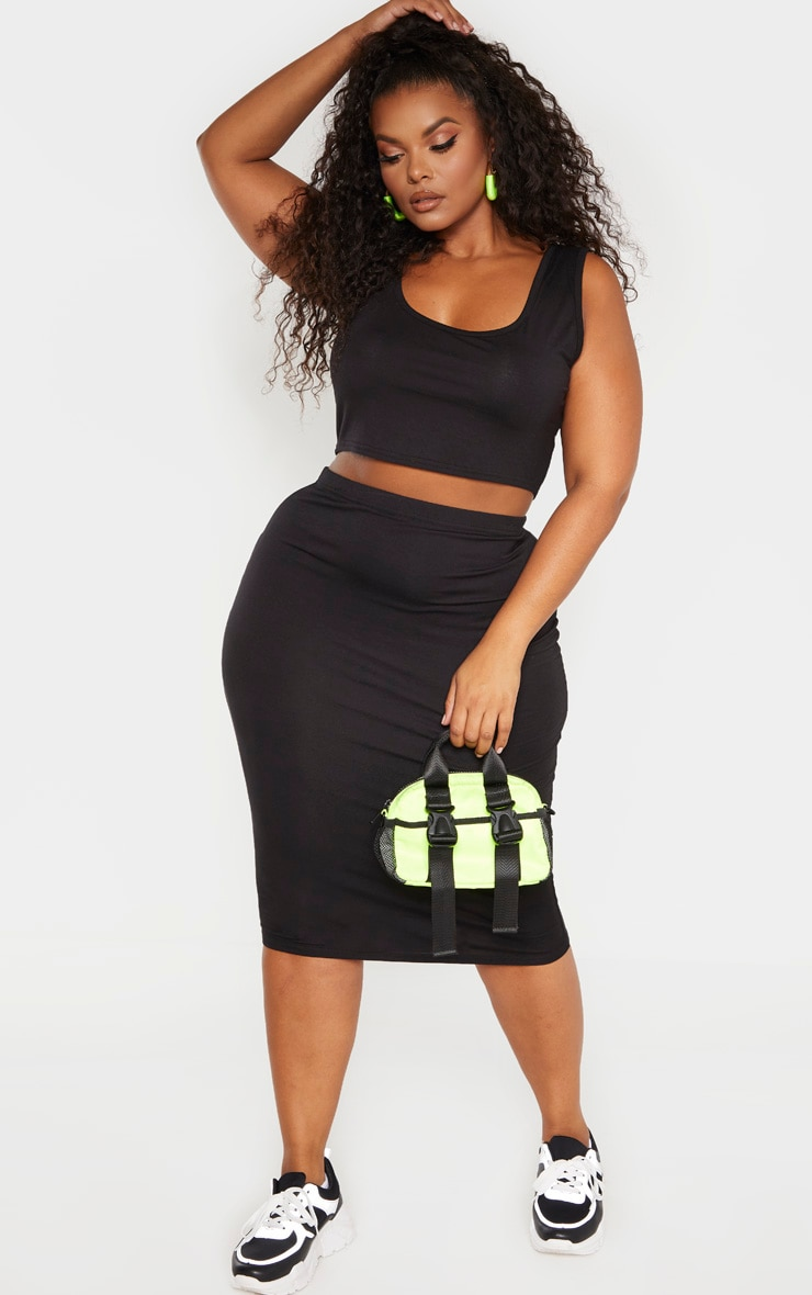 Plus Black Jersey Scoop Neck Crop Top  4